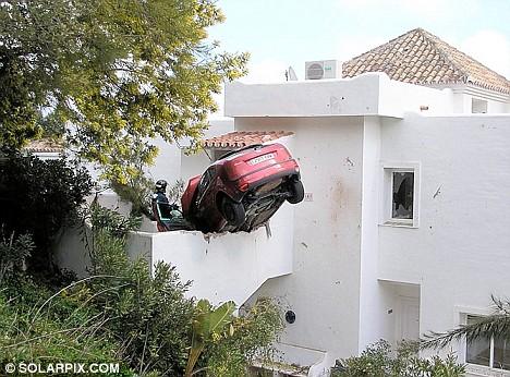 hire-car-crash